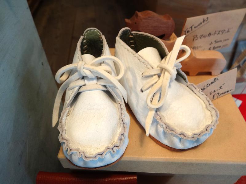本革のベビーシューズ「REN craft」制作。人生で最初の一足にいかがでしょうか。